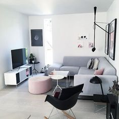 Living Room Inspo ✨ Loving this space 😍 Home Living Room, Living Room Decor, Italian Home Decor, Room Interior, Interior Design, Room Inspiration, Interior Inspiration, Home Fashion, Family Room