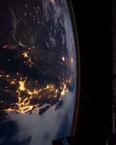 Ready for another week on Earth ? 😍 Ready for another week on Earth ? 😍 ⭐️Watch Earth from space Live : www. 📸 Vid by NASA/ISS Source by f. Wallpaper Earth, Planets Wallpaper, Wallpaper Space, Galaxy Wallpaper, Apple Wallpaper, Earth And Space, Space Planets, Space And Astronomy, Nasa Planets