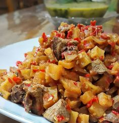 RESEP SAMBAL GORENG KENTANG TANPA SANTAN UNTUK BUKA PUASA Eat Me Drink Me, Food And Drink, Asian Recipes, Ethnic Recipes, Indonesian Food, Lunches And Dinners, Spicy, Menu, Potatoes