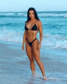 Black bikini swinwuits are the best. Sexy Bikini, Red Bikini Set, Black Bikini, Bikini Girls, Mädchen In Bikinis, Bikinis For Sale, Bikini Swimwear, Sixpack Women, Pernas Sexy