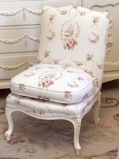 Shabby Chic Chair........ I want one like this for my bedroom.........