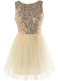 Glow Forth Dress: Features a sparkling sequin bodice covered in hundreds of glittering gold pieces, elegant V-design to the rear, centered rear zip closure, and a super feminine ballerina skirt to finish. Trendy Clothes For Women, Trendy Dresses, Cute Dresses, Formal Dresses, Homecoming Dresses, Bridesmaid Dresses, Trendy Online Boutiques, Sweet 15, Babysitting