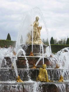 fountains in europe | Fountain at the Palace of Versailles, France