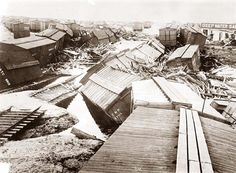 Galveston Hurricane 1900 Here we present a stunning image of Hurricane Damage in Galveston, Texas in The image shows Galveston 1900 Galveston Hurricane, Texas Hurricane, Texas History, Us History, American History, Galveston Texas, Galveston Island, Weather History, People