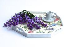 Tabletts - Tablett,Holztablett,Glyzinien,weiss,Blauregen, - ein Designerstück von ars-unica bei DaWanda