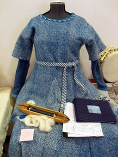 Tangible Daydreams: Historic hand spun, hand woven tunic based on the Bocksten Bog Man's outfit