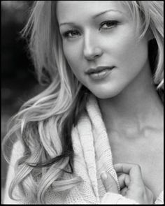 """Jewel Kilcher   her album """"Pieces of Me"""" is one of my favorite albums by a female vocalist. Always loved her vibe, her simplicity."""