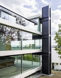Christian Kerez . House With A Missing Column . Zurich (3)