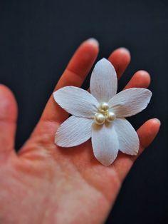 Blumen Haarnadel, *free shipping* flower pearl hairpin, u-shaped, Weihnachten, Hochzeit, bridal accessory, bridesmaid, Papierblumen, elegant von AmeliLovelyCreations auf Etsy