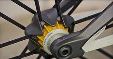 Canyon presenta su nueva suspensión por magnetismo y su frenado electrónico [concepto] - Bike T3CH Velo Design, Bicycle Design, Tricycle, E Bike Motor, Electronic Bike, Pimp Your Bike, Bike Gadgets, Velo Cargo, Urban Concept