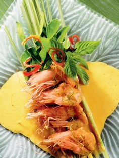 Chu Chi Goong (King prawns in a rich red curry sauce with coconut milk)