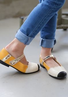 Ozkiz Girls Bunny Pencil Polyurethane Mary Jane Flats Shoes #Kidsshoes #Kidsflatshoes #Ozkiz #오즈키즈 #아동구두 #이쁜구두 #KoreanStyle #Kidsfashion #Shoes