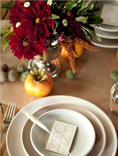 We love this persimmon place setting. Don't you?