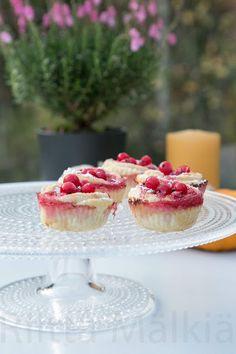 Hirsitalon keittiössä: Punaherukkaleivokset Cheesecake, Desserts, Food, Tailgate Desserts, Deserts, Cheese Cakes, Eten, Postres, Dessert