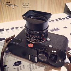 One of the most popular set up for Leica M240 users.   Leica M (Type 240) with Summilux-M 35mm F1.4 ASPH - 11663 FLE & Tom Abrahamsson Classic M Soft Release
