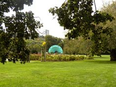 Gage Park #HamOnt a great place to take the kids and dogs - the park also hosts all kinds of events year round including festivals and flower shows in the greenhouses. One reason I love #Hamilton!