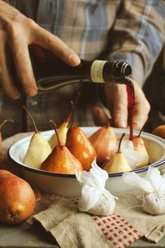 Poached Pears: Bottle sweet white wine, cinnamon, ginger, cardamom, cup of water. Slow simmer until pears are tender. Pear Recipes, Fall Recipes, Wine Recipes, Cooking Recipes, Healthy Recipes, Sweet White Wine, Food Porn, Good Food, Yummy Food