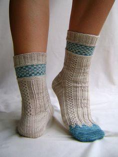 Ravelry: Volturi Palace Socks pattern by Rachel Coopey Crochet Socks, Knitting Socks, Hand Knitting, Knit Crochet, Little Cotton Rabbits, Knit Shoes, Gucci Fashion, My Socks, Knitting Projects