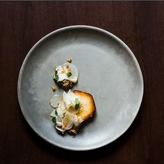 Pear Kohlrabi Buckwheat Pecorino & Amber Honey plated by & at MARKET by carsontofin B Food, Food Porn, Food Garnishes, Molecular Gastronomy, Food Presentation, Food Plating, Food Design, Food Styling, Food Dishes