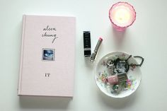 book review: It by Alexa Chung // earworm & plum pudding