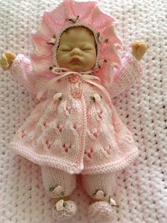 f8dd08a38 11 Best Knitted Dolls Clothes images