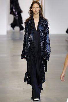 Calvin Klein Collection New York - Spring Summer 2016 Ready-To-Wear - Shows - Vogue. Best Of Fashion Week, Fashion Week 2016, Couture Fashion, Runway Fashion, Fashion Show, Women's Fashion, Vogue Paris, Spring Summer 2016, Spring Summer Fashion