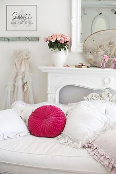 Styling A Romantic Living Room For Valentine's Day