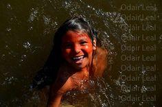 Índia nas águas do Rio Gregório