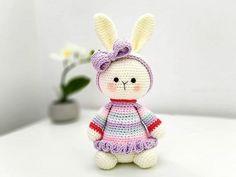 Crochet Rabbit, Crochet Teddy, Crochet Toys, Free Crochet, Crochet Bow Pattern, Amigurumi Doll Pattern, Free Pattern, Crochet Chicken, Crochet Projects