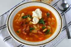 Thai Red Curry, Nom Nom, Ethnic Recipes, Soups, Food, Eten, Soup, Meals, Chowder