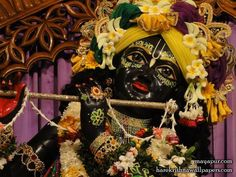 http://harekrishnawallpapers.com/sri-madhava-close-up-wallpaper-001/