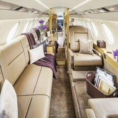 """Polubienia: 2,291, komentarze: 14 – Private Jet Motivation (@clubjetset) na Instagramie: """"Comfort 💎 Zone  Dassault Falcon 50X Photo by: @baroqueaviation"""""""