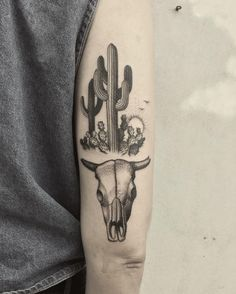 Cacti and bull skull for Victoria. #cactus #cactustattoo #succulents #succulenttattoo #tattoo #tattoos #tattoodo #blackworkerssubmission #btattooing #blacktattooart #tttism #neworleanstattoo