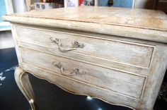 Annie Sloan Chalk Paint Ideas   ... detailing on the drawer and the layering of the paint