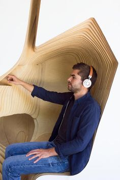 These Mindfulness Pods Dare You To Meditate In Public | Co.Design | business + design