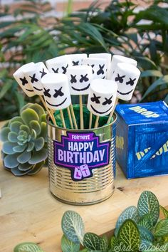 Ideas e imprimibles para un cumpleaños Fortnite 7th Birthday Party Ideas, 11th Birthday, Birthday Fun, Birthday Party Decorations, Birthday Centerpieces, Birthday Party Favors, Craft Party, 10e Anniversaire, Manga Girl