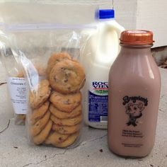 Home Delivery of Chocolate Milk and Cookies via @Winder Farms - YES PLEASE! #ChocolateMilkDay #Review #Giveaway