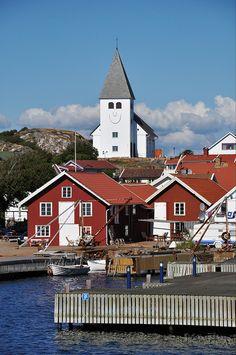 hehehe...happy Skärhamn by pixelthing, via Flickr
