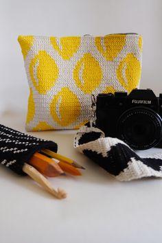 Small Crochet Gifts, Diy Crochet Bag, Crochet Coat, Cute Crochet, Tapestry Crochet Patterns, Modern Crochet Patterns, Crochet Amigurumi Free Patterns, Crochet Motif, Diy Handbag