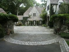 Courtyard Driveway Entry - traditional - exterior - new york - Conte & Conte, LLC