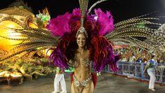 GALERIA: Veja como foram os desfiles do 2º dia do Rio de Janeiro - Quem Acontece | Rio de Janeiro 2014____http://revistaquem.globo.com/Carnaval-QUEM-2014/Rio-de-Janeiro-2014/fotos/2014/03/galeria-veja-como-foram-os-desfiles-do-2-dia-do-rio-de-janeiro.html