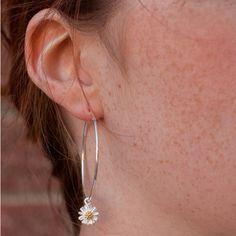 Lily King Jewellery Daisy Hoop Earrings ($69) ❤ liked on Polyvore featuring jewelry, earrings, daisy jewellery, hoop earrings, lily earrings, lily jewelry and daisy jewelry