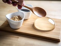 """April showersbring May flowers or… Raindrop cakes? A new food trend has made a splash inNew York and has been called """"the next Cronut."""" The Raindrop Cake, also known as Mizu Shingen Mochi, looks just like it sounds: a drop of rain. This cool new dessert is hot on this side of the pond, but …"""
