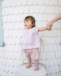 """willaby su Instagram: """"Good morning to this new day!  I love this pretty pastel tunic + raspberry linen long shorts combo on Edla. I made our long shorts with more generous leg openings this season and shortened them a bit. You'll love the fabric...lightweight, heathery, yarn-dyed linen."""""""