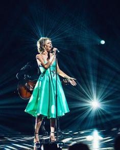 Country Artists, Country Singers, Morgan Evans, Kelsea Ballerini, Carrie Underwood, Her Music, Celebs, Celebrities, Favorite Person