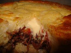Receita de Torta com massa de queijo e recheio de carne seca - Receitas de Casa