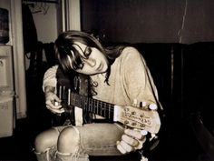 Musical Muse: Cat Power & How To Get Her Look  http://blog.freepeople.com/2012/08/musical-muse-cat-power/