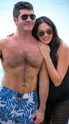 Simon Cowell and his pregnant girlfriend Lauren Silverman take a walk along the beach in Barbados Celebrity Couples, Celebrity News, Simon Cowell, Brunette Beauty, Romances, Celebs, Celebrities, Baby Bumps, Barbados