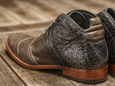 REHAB Kurt II Honey Smoke #rehabfootwear #classiccollection #honeycomb #print #remarkable #dressy #unique #trendy