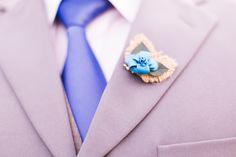 A Amor Plie é especialista em buquês de noivas! Os buques de origami além de muito originais, elegantes e criativos, duram por muitos e muitos anos. Imagine que incrível guardar uma lembrança de um momento tão especial, ou mesmo utilizá-lo na decoração da sua casa!? Entre em contato com a gente: amorplie@hotmail.... ou visite a nossa loja: www.amorplie.com.br